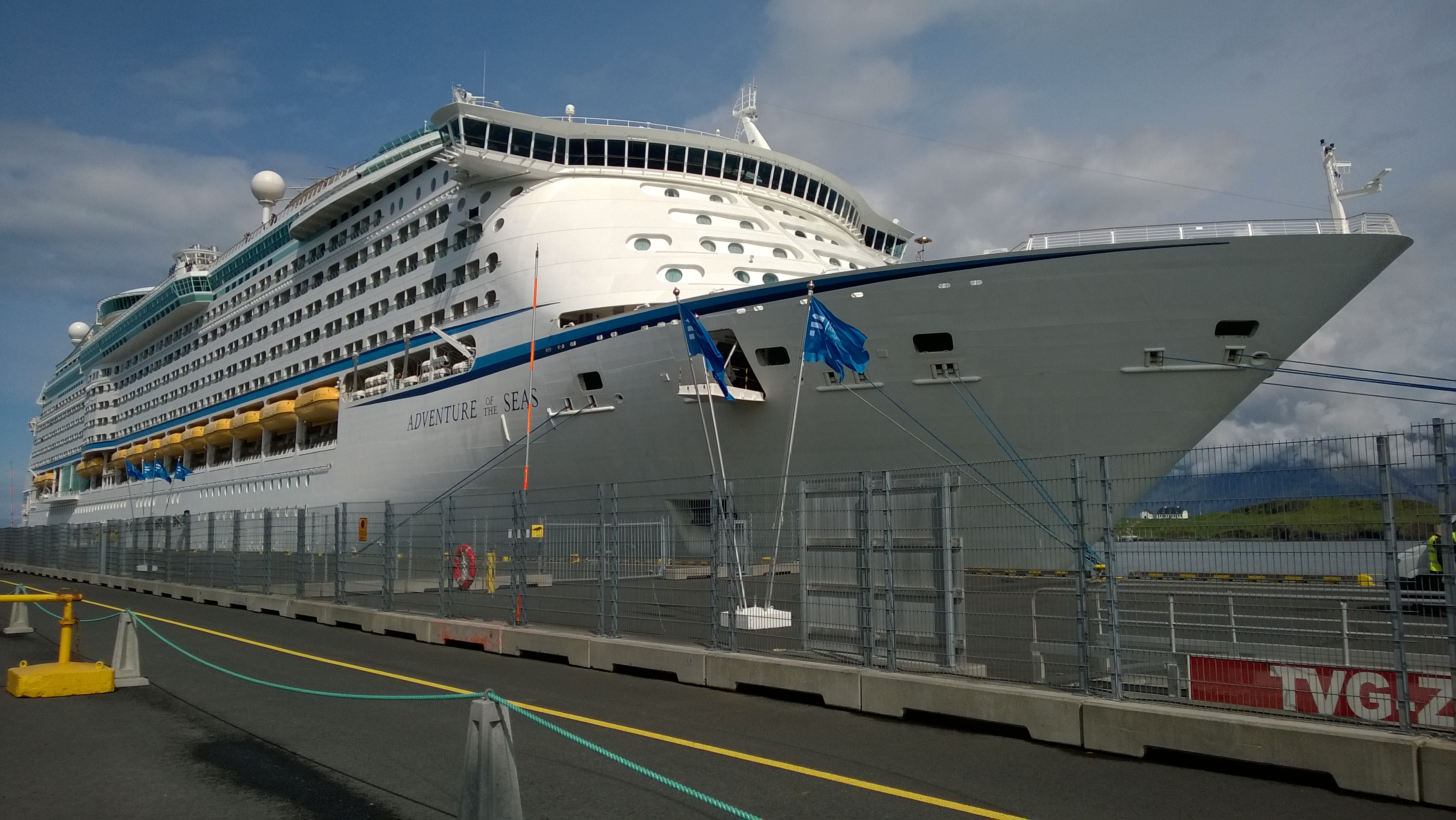 Cruise ship services in Iceland